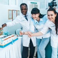Клиника «Изабелла» отпраздновала своё <nobr>16-летие</nobr>