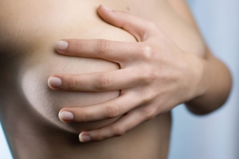 Коррекция втянутых сосков дополнит красивый контур груди