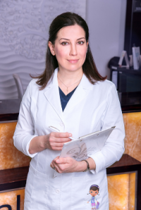 Пластический хирург Елена Олеговна Уварова