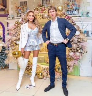 Анна Калашникова с женихом Иваном Семеновым